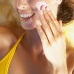紫外線から確実に肌を守る!効果的な日焼け止めの塗り方