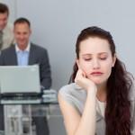 生理前の眠気はなぜ起きる?眠気の原因と5つの解消方法