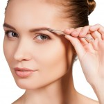 理想的な眉毛に近づける!眉毛の基本の整え方