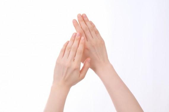 指 細く 指マッサージ準備