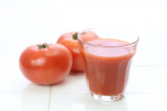 二日酔いに効く食べ物 トマトジュース