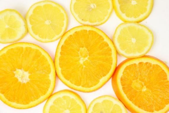 ストレス解消 食べ物 ビタミンC