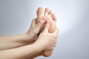 足が臭い 原因 病気