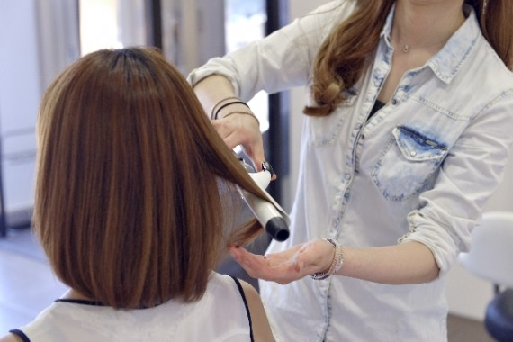切れ毛 対策 美容院