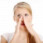 気になる小鼻の黒ずみ!黒ずみの3つの原因&お手入れ方法