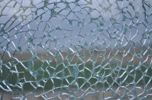 ガラス ヒビ