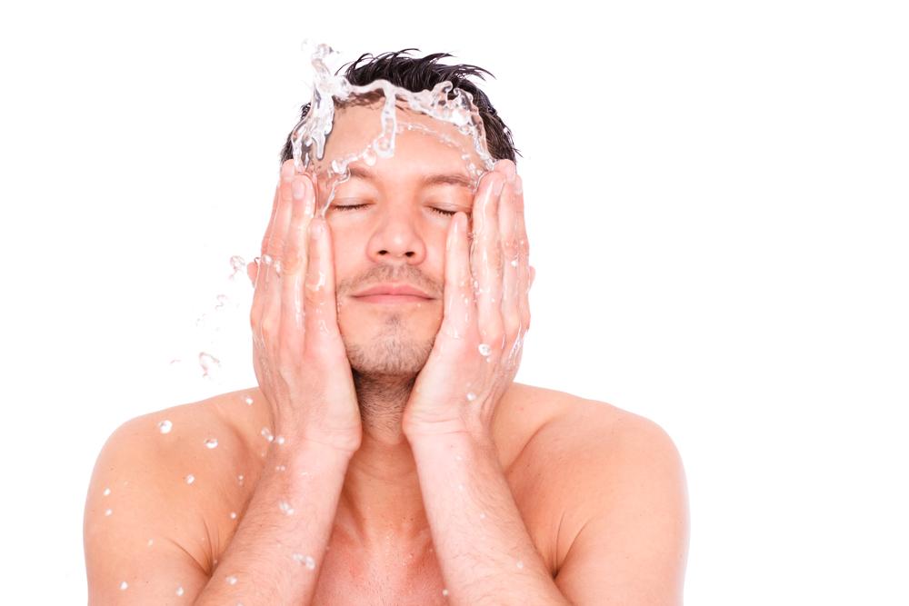 男 化粧水
