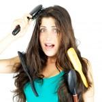 広がる髪を抑えたい!パサパサ髪をまとめる対策法