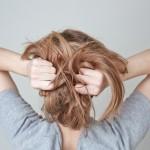 頭皮の皮脂が気になる!ベタつきをスッキリさせる4つの方法