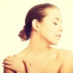 気になる肩ニキビ|5つの原因を知ってきれいな肩を目指そう!