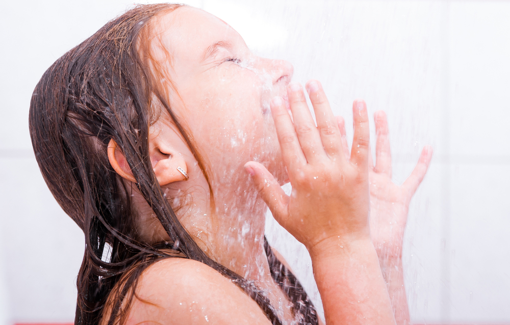 ニキビ 洗顔 シャワー
