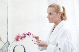 スキンケア 化粧水 女性