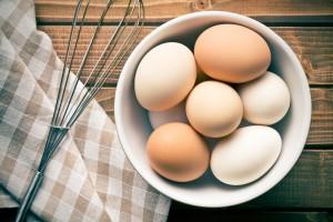 卵 まつげ 伸ばす 美容液 方法 増やす 切る ワセリン