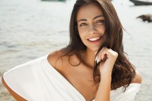 髪 パサパサ 原因 対策 オイル シャンプー 改善 細い くせ毛 トリートメント 美容院 広がる