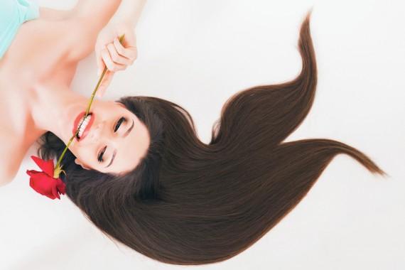 髪 うねり