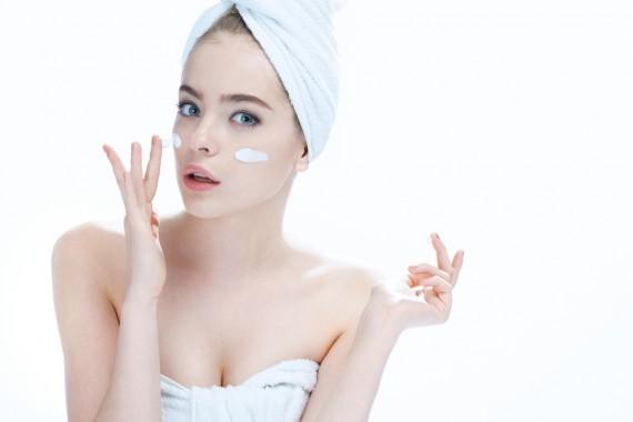 オールインワンゲル ランキング おすすめ スキンケア化粧品 美容成分 潤い 効果