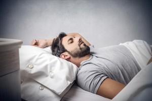 男 ニキビ 睡眠