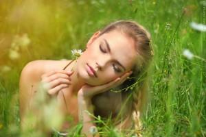 顔筋トレ 筋肉 表情 トレーニング たるみ シワ 効果 解消 改善