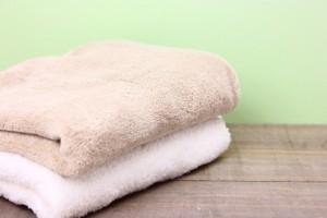 髪 乾かさない タオル