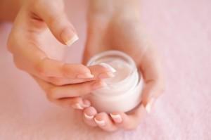 カサカサ肌 乾燥肌 ドライスキン 原因 対策 アトピー 保湿 スキンケア