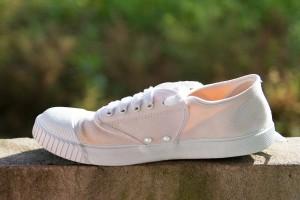 【最新】すぐできる靴の消臭方法!おすすめ消臭グッズもご紹介 靴 消臭 天日干し