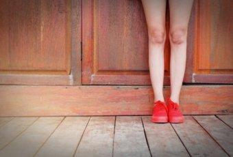 膝の黒ずみをとる方法