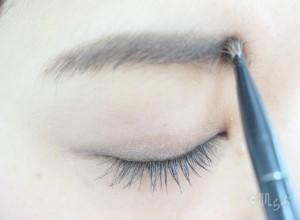 アイブロウブラシ おすすめ 眉毛 描き方 使い方