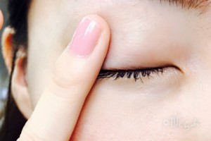目の周り くすみ
