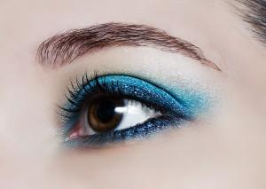 ブルー アイシャドウ 水色 青 ネイビー プチプラ