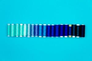 ブルー アイシャドウ 水色 青 ネイビー