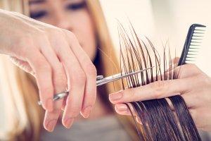 枝毛 カット 美容院 セルフ 自分 切り方