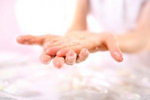 スクラブ洗顔 効果 方法 やり方 注意 おすすめ