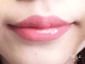 二度塗りで口紅の発色が際立つイメージ