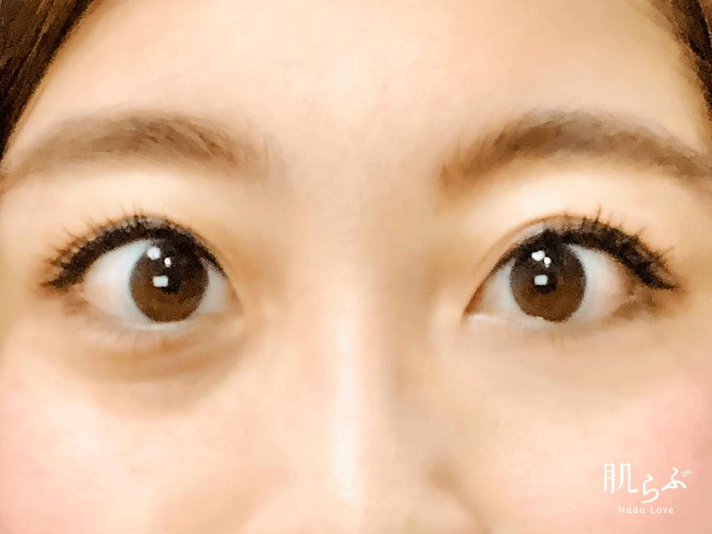 キャンメイクのカラーミキシングコンシーラーを使用した目元の写真