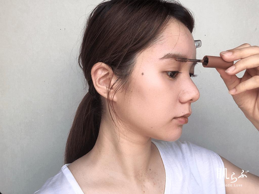 夏の汗対策の眉メイク
