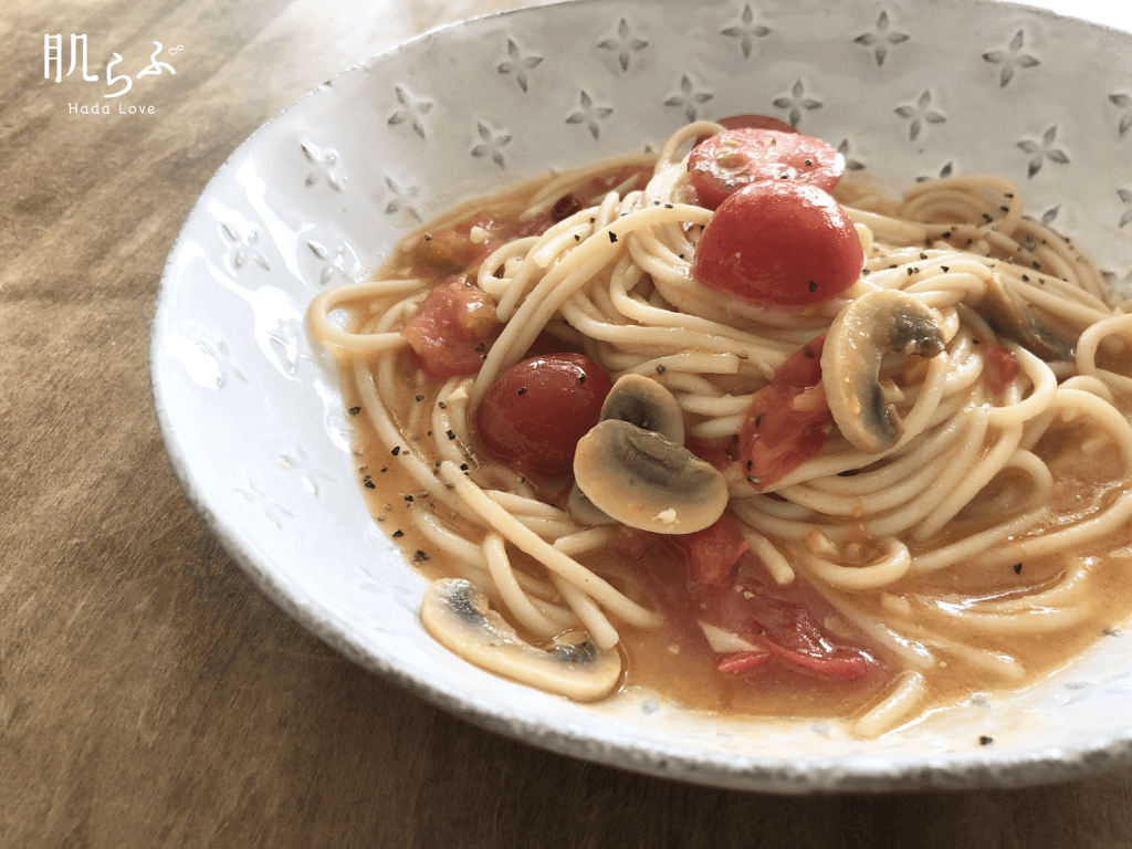 玄米粉パスタのトマトのフレッシュパスタ